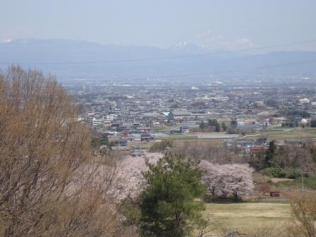 24年桜 男体山.JPG